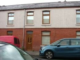 3 bed terraced house to rent in Vivian Terrace, Port Talbot SA12