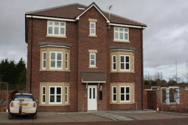 Thumbnail Flat to rent in Junction Road, Stockton-On-Tees