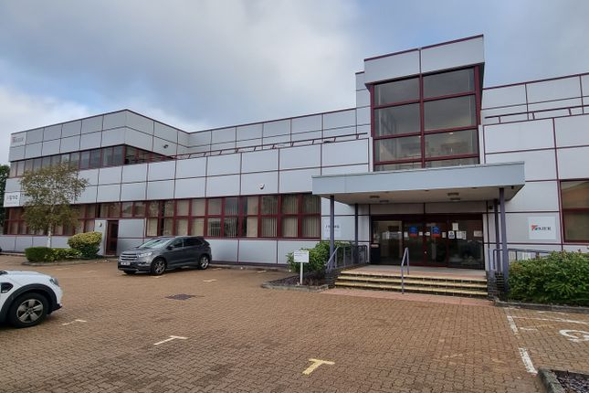 Thumbnail Office to let in Ground Floor Offices, Platinum House, Sussex Manor Business Park, Crawley
