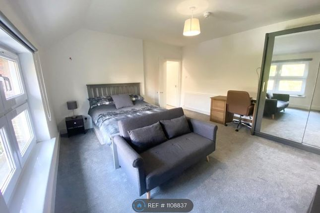 Room to rent in Shortlands Road, Bromley BR2