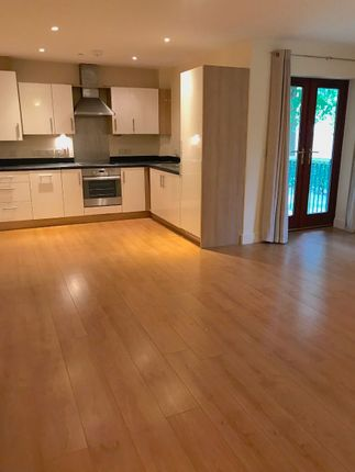 2 bed flat to rent in Abberley Wood, Great Shelford, Cambridge CB22
