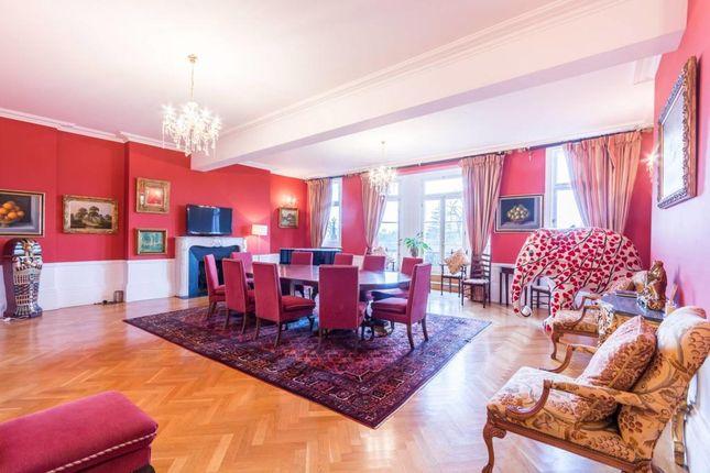 Thumbnail Flat to rent in Cambridge Gate, Regents Park
