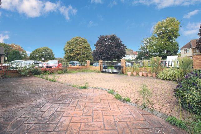 Front Garden of Fern Lane, Heston TW5