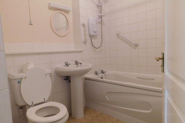 Bathroom of Carlton House, Milford Road, Godalming GU8
