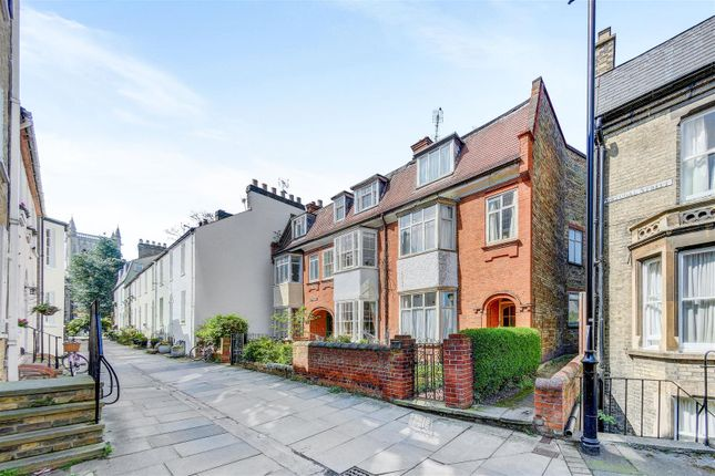 Thumbnail Property for sale in Portugal Place, Cambridge
