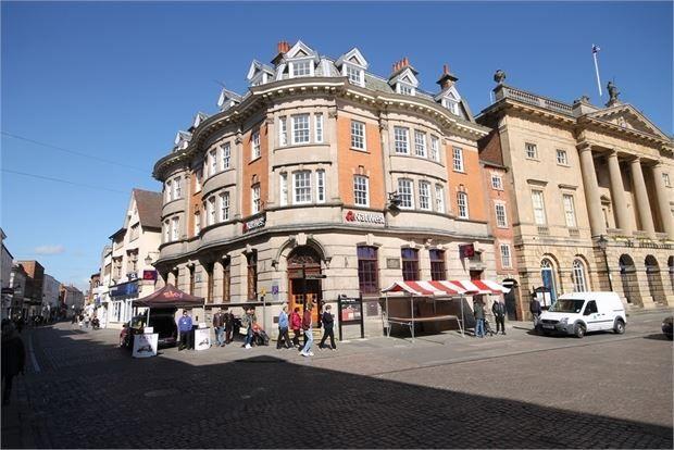 Main Image of 1 Market Place Apartments, Newark, Nottinghamshire. NG24