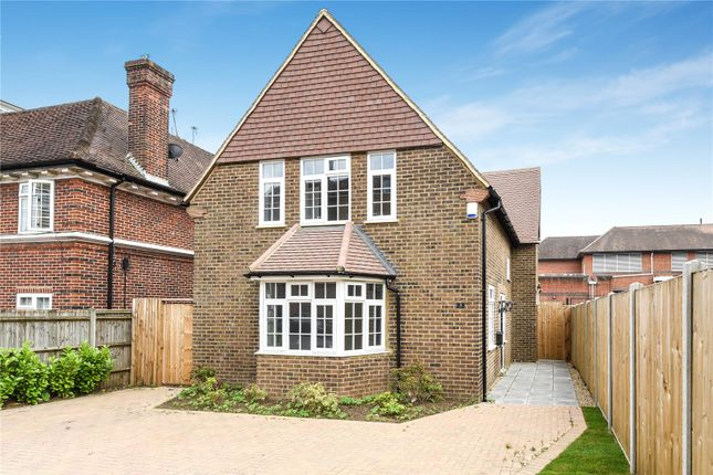 Thumbnail Detached house for sale in Kingsend, Ruislip, Middlesex