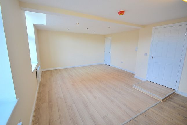 Thumbnail Flat to rent in Armley Road, Leeds