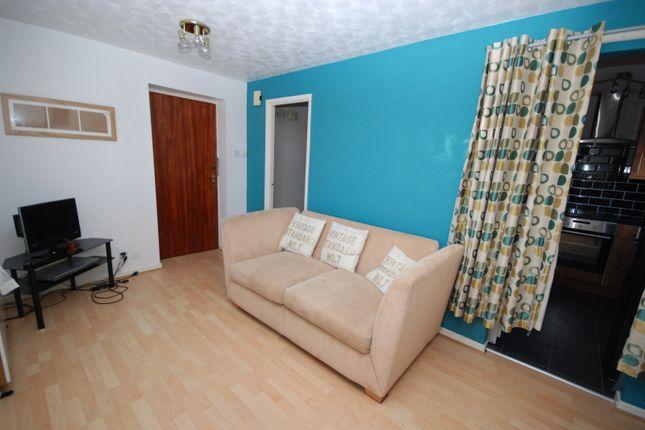 Lounge/Bedroom of Slaley Close, Gateshead NE10