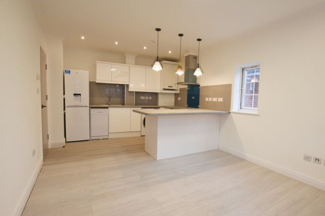 Thumbnail Flat to rent in Sundridge Place, Addiscombe, Croydon
