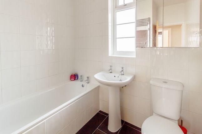 Bathroom of Cherrywood Court, Cambridge Road, Teddington TW11
