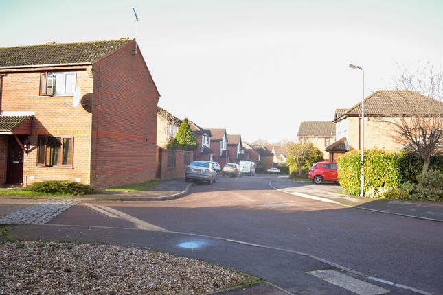 Street View of Highlands Drive, Daventry NN11