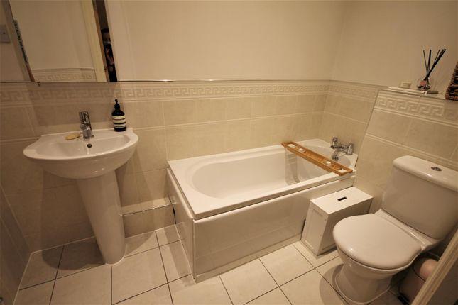 Bathroom of Brentwood Court, Sandwich Road, Ellesmere Park M30
