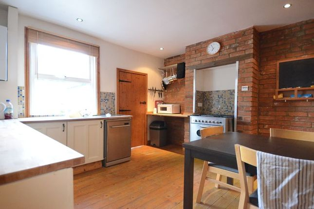 Thumbnail Terraced house to rent in Upper Crown Street, Reading