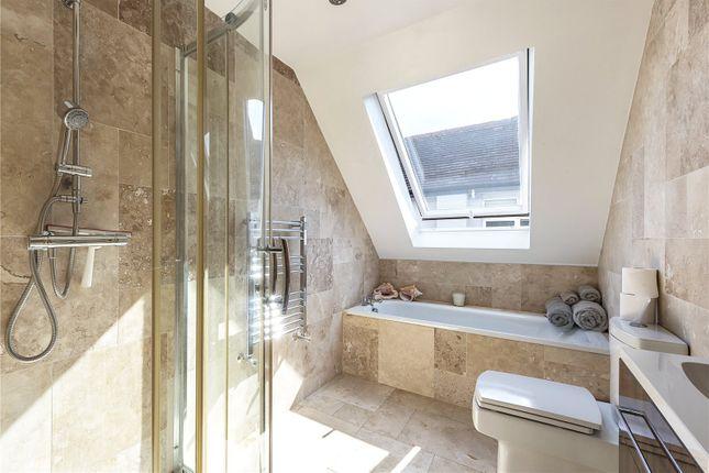 Bathroom of Kenver Avenue, London N12