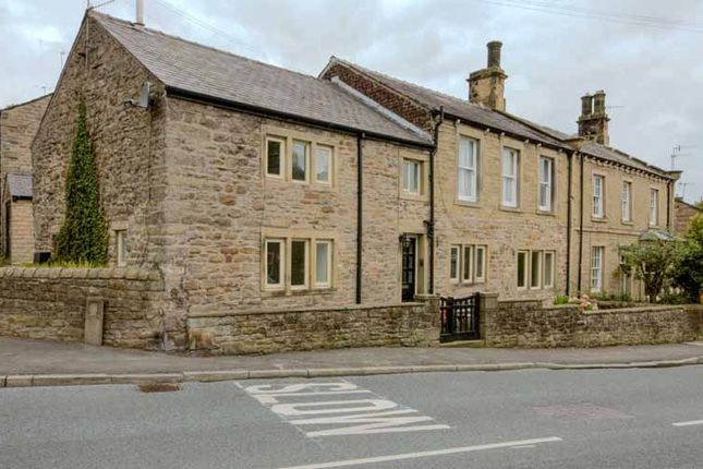 Thumbnail Cottage for sale in Manchester Road, Barnoldswick