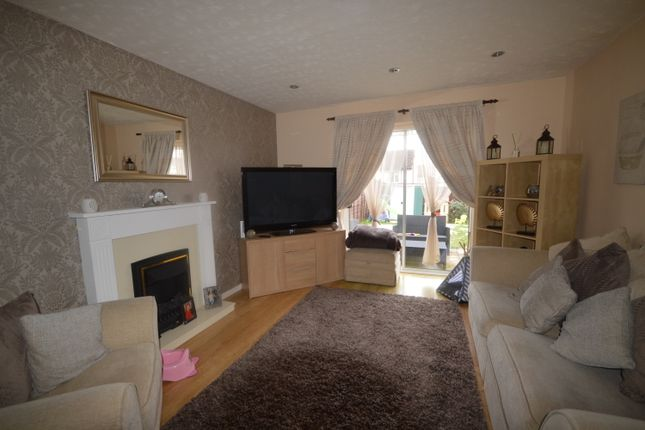 Thumbnail Mews house to rent in Bowlers Close, Stoke-On-Trent