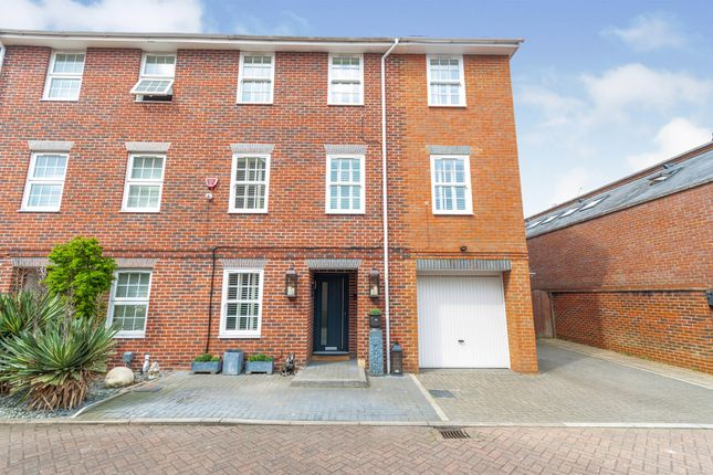 Thumbnail End terrace house for sale in Howarde Court, Stevenage