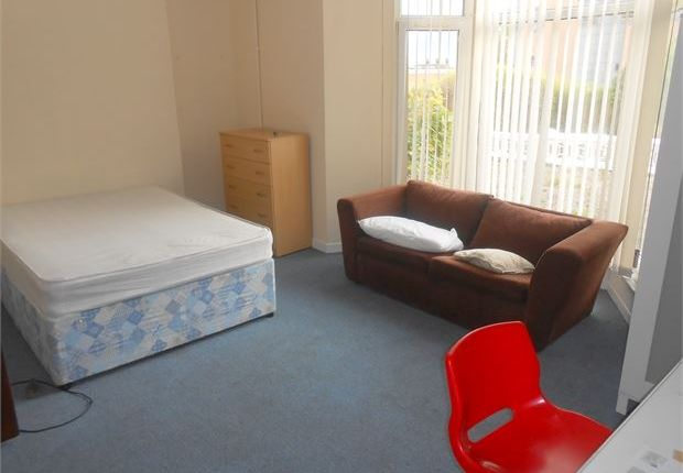 Thumbnail Shared accommodation to rent in Gore Terrace, Swansea
