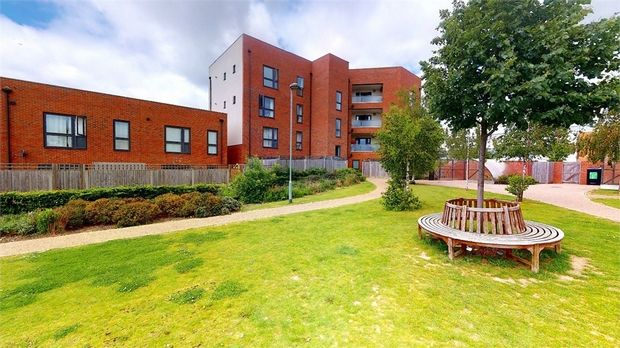 Thumbnail Flat for sale in Landelle Court, Brabazon Road, Hounslow, Middlesex