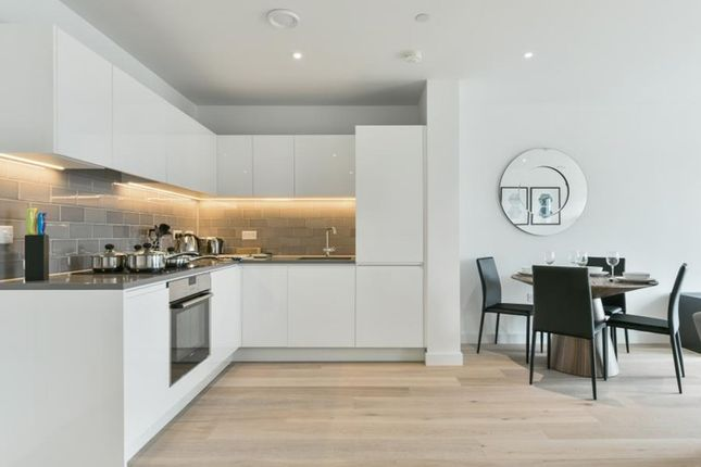 2 bed property for sale in Windlass House, Royal Wharf, London
