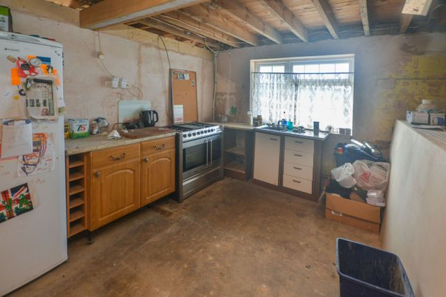 Kitchen of Front Road, Woodchurch, Ashford TN26