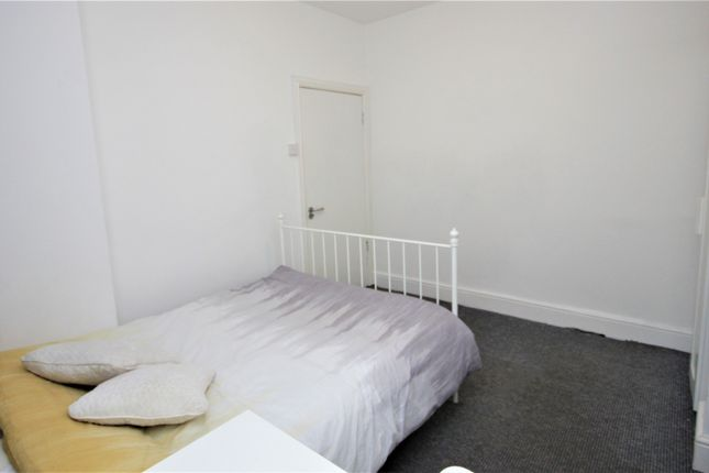 Room 2 of Gerald Road, Salford, Manchester M6
