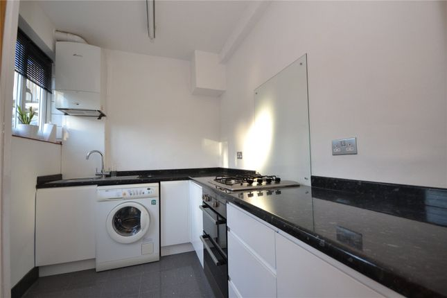 Thumbnail Flat to rent in Temple Parade, Netherlands Road, Barnet
