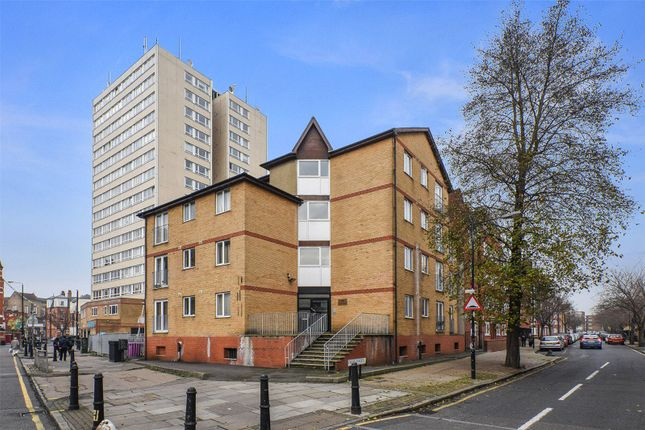 Thumbnail Flat to rent in Astra Apartments, Globe Road, Bethnal Green