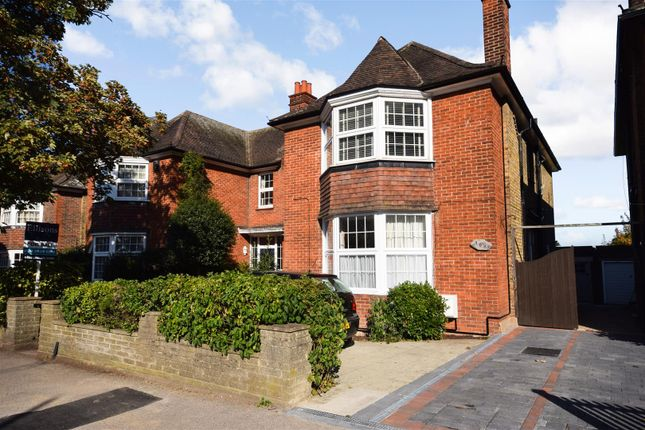 2 bed maisonette for sale in Grand Drive, London SW20