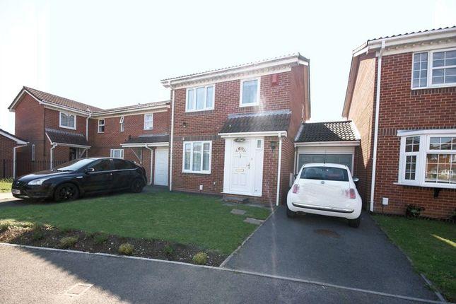 Thumbnail Link-detached house for sale in Honeysuckle Close, Gosport