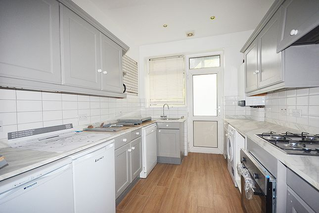 Thumbnail Flat to rent in Brownlow Road, Bounds Green, London
