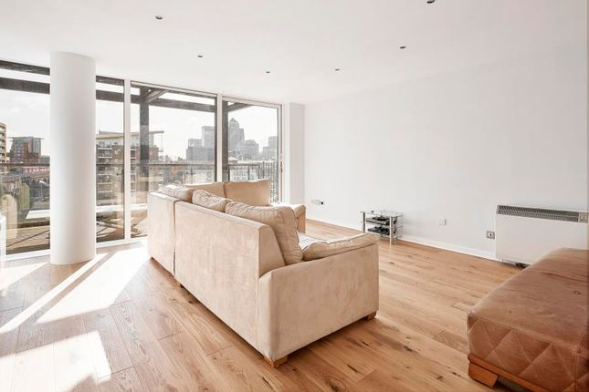 Thumbnail Flat to rent in Berglen Court, Canary Wharf