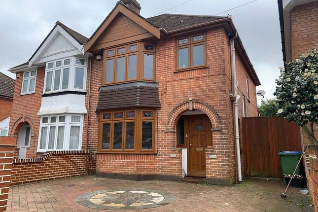 Thumbnail Semi-detached house to rent in Le Beau Soleil, Hawthorn Road, Southampton, Hampshire