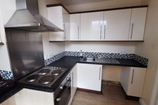Thumbnail Flat to rent in Market Place, Hornsea