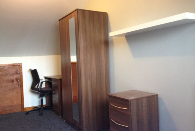 Thumbnail Shared accommodation to rent in Tiverton Road, Selly Oak, Birmingham