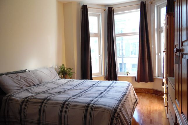 Thumbnail Flat to rent in St Luke's Avenue, Clapham