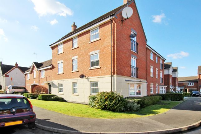 Thumbnail Flat for sale in Pitchcombe Close, Lodge Park, Redditch