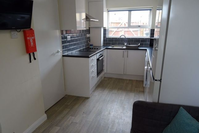 Thumbnail Room to rent in Room 6, Eastbrook, Corby, Northants