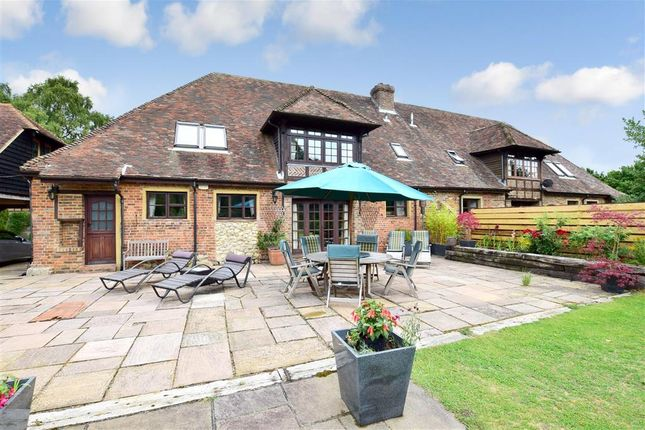 4 bed barn conversion for sale in Newlands Road, Charing, Ashford, Kent