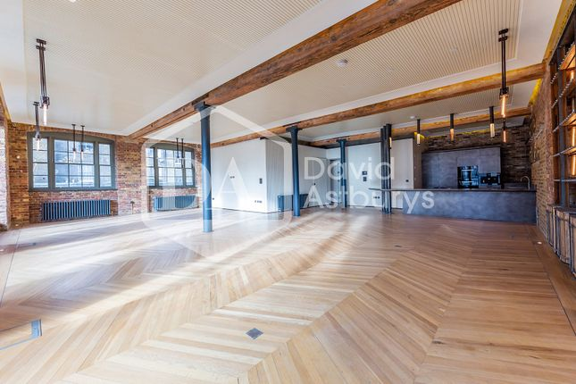 Thumbnail Flat to rent in Belmont Street, Camden Chalk Farm, London