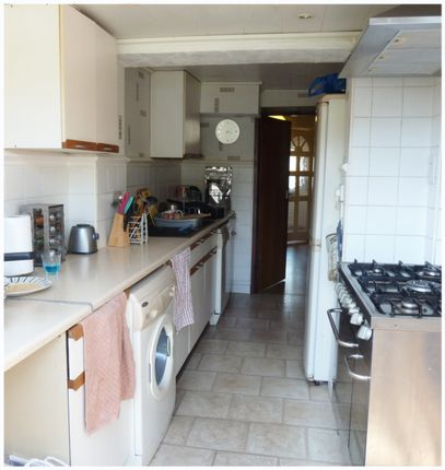 Thumbnail Terraced house to rent in Gelsthorpe Road, Collier Row