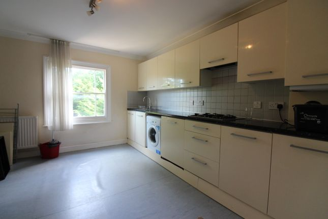 Thumbnail Duplex to rent in Fairfield Road, London