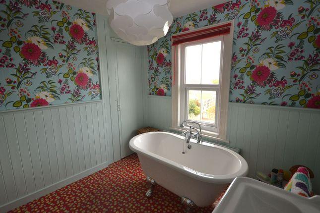 Family Bathroom View 2