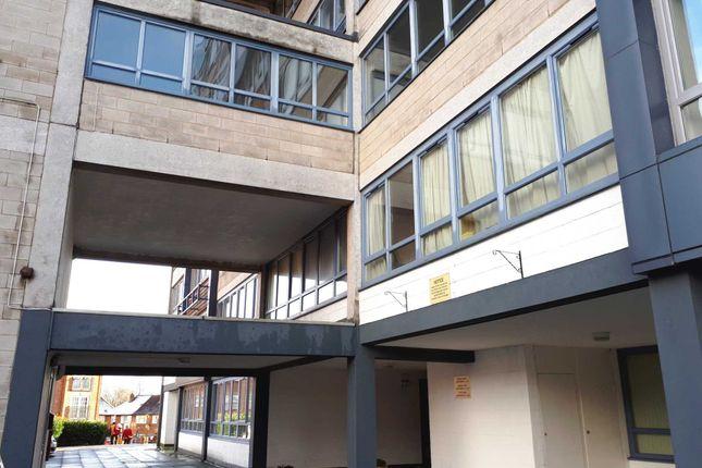 Thumbnail Flat to rent in Ingledew Court, Leeds