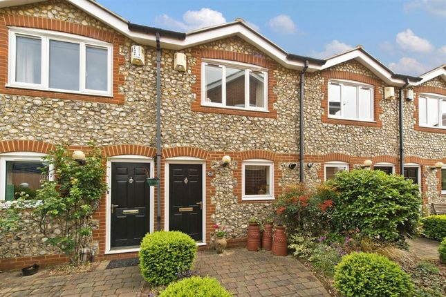 Thumbnail Property to rent in Harvest Lane, Thames Ditton