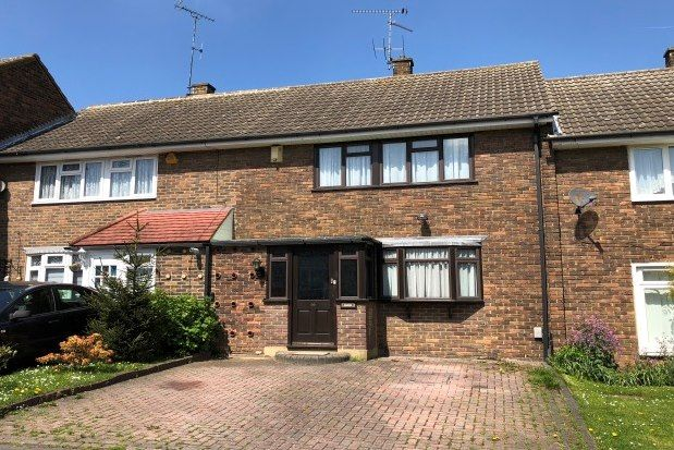 3 bed property to rent in Ardleigh, Basildon SS16