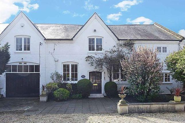 Thumbnail Property for sale in Amerden Lane, Taplow, Maidenhead