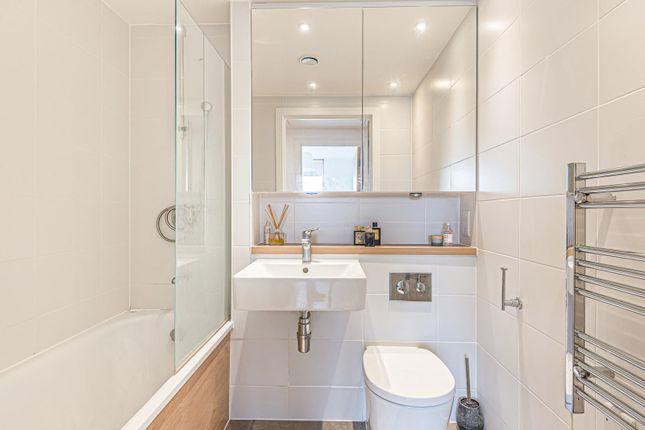 Bathroom of Hewitt, Alfred Street, Reading RG1
