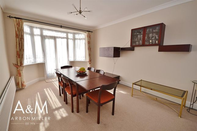 Dining Area of Herent Drive, Clayhall, Ilford IG5